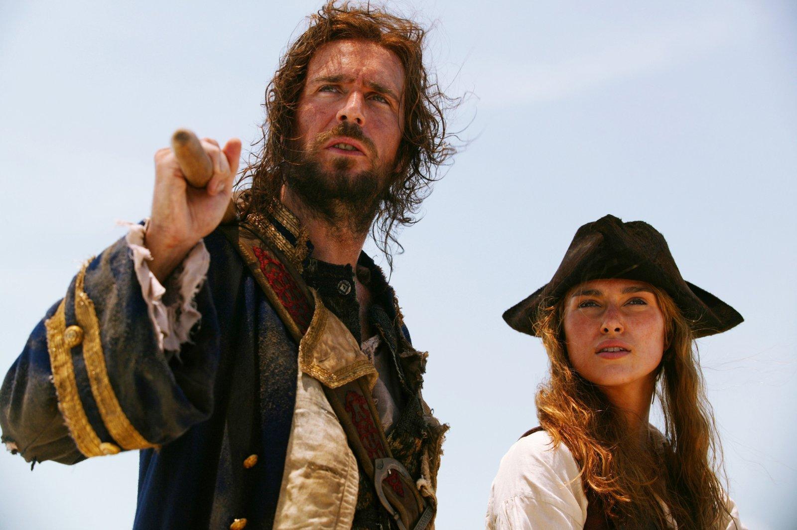 Piraci z karaibow skrzynia umarlaka online dating